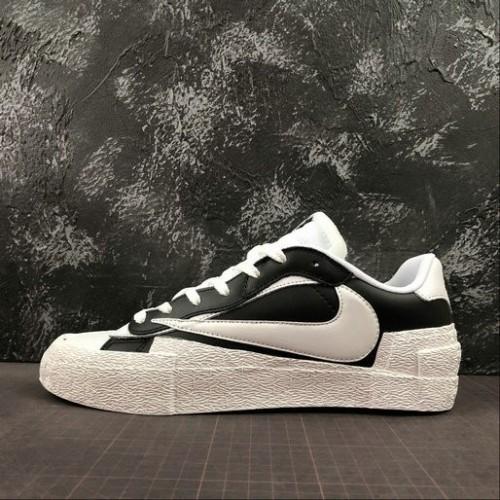 Women's Nike blazer x Sacai Black White BV0072-005